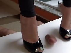 Foot Fetish, MILF, POV, Trampling,